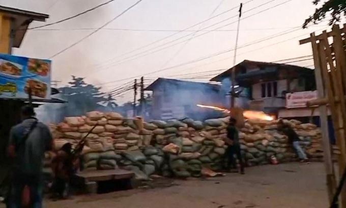 An ninh Myanmar bị tố dùng súng phóng lựu, hơn 80 người chết