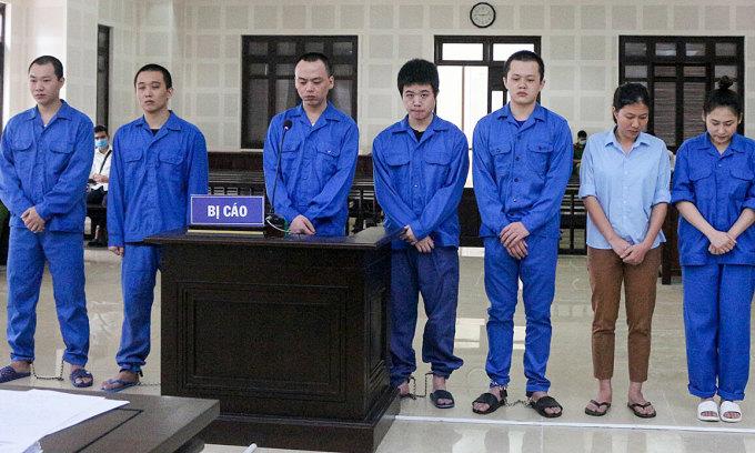 Đưa 14 người Trung Quốc đến Đà Nẵng đánh bạc