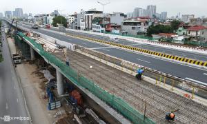 Đường trên cao Mai Dịch - cầu Thăng Long cấm xe trong 3 ngày
