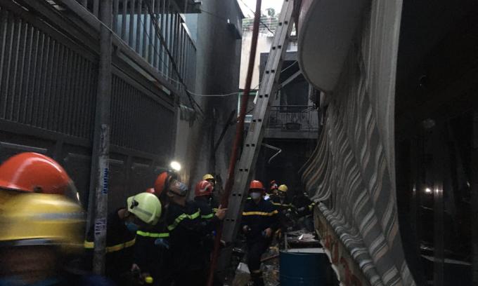 Cháy nhà ở Sài Gòn, 7 người chết