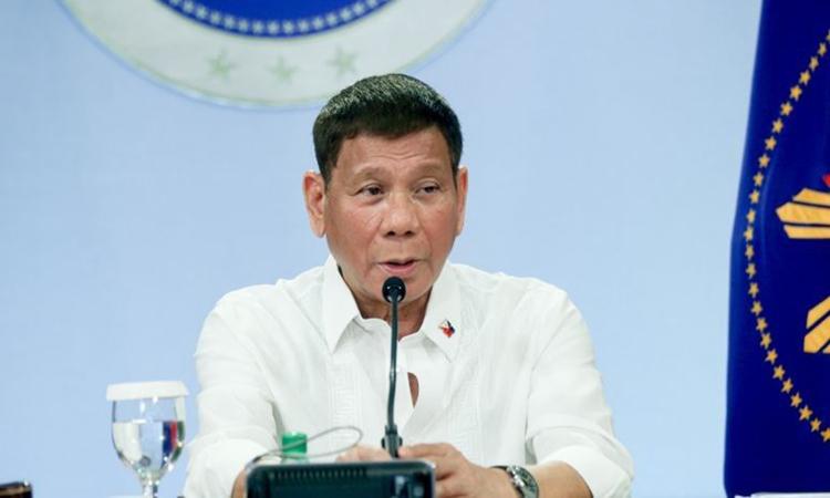 Duterte hứng chỉ trích vì nói đùa về chủ quyền Biển Đông