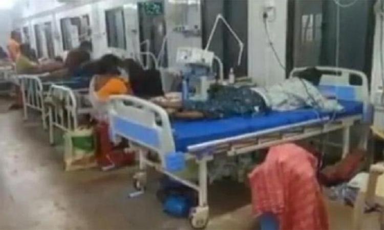 Bệnh viện cạn oxy, 11 người mắc Covid-19 tử vong
