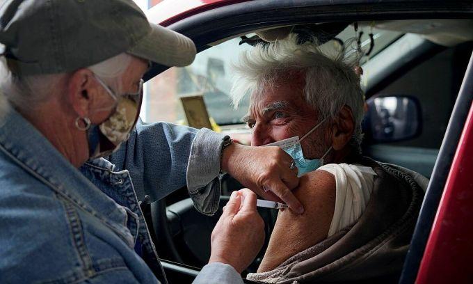 Mỹ đau đầu xử lý vaccine thừa