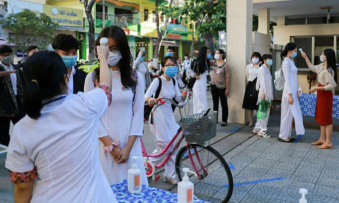Học sinh Đà Nẵng kiểm tra học kỳ II trực tuyến
