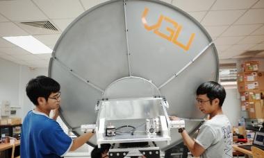 Sinh viên chế tạo trạm thu tín hiệu vệ tinh