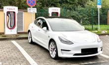 Tesla được kêu gọi cho các đối thủ dùng chung hệ thống sạc