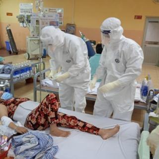 Điểm tin: TP HCM thêm hơn 2.000 ca, Bộ Y tế đổi phác đồ điều trị