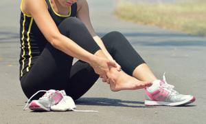 Tại sao đau mắt cá chân khi chạy
