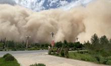 'Bức tường' cát cao hơn 100 m ập tới thành phố Trung Quốc