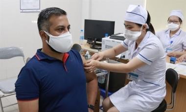 Người nước ngoài muốn chính phủ gửi vaccine cho Việt Nam