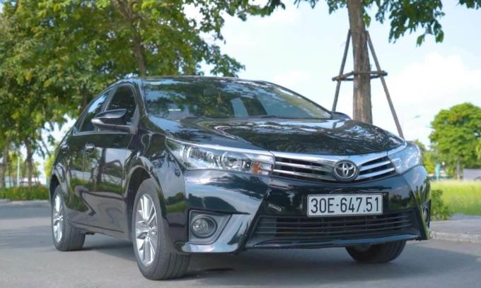 Toyota Altis 2016 - xe cũ bền bỉ, giá đắt