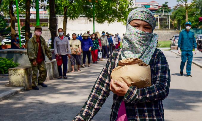 Hà Nội cung cấp lương thực, thực phẩm cho lao động nghèo