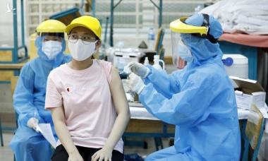 Điểm tin: Trên 100.000 ca, TP HCM đề nghị cấp thêm 4 triệu liều vaccine