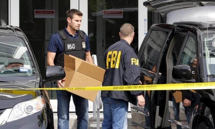 Đặc vụ FBI dùng ảnh 'mát mẻ' của đồng nghiệp dụ tội phạm