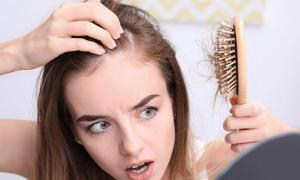 Đến tuổi nào tóc rụng không mọc lại?