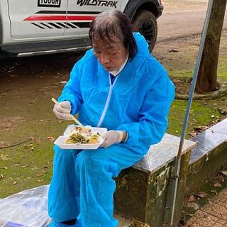 Người phụ nữ 72 tuổi xông pha tuyến đầu