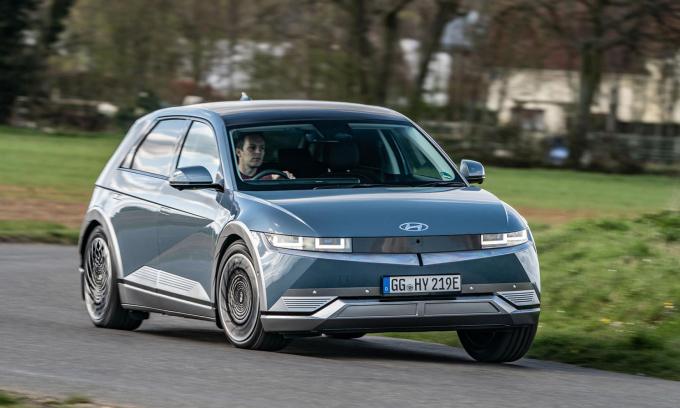 Hyundai cho thuê ôtô điện giá gần 500 USD/tháng