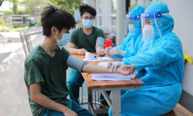 Điểm tin: Cả nước vượt 206.000 ca, TP HCM sắp hết vaccine