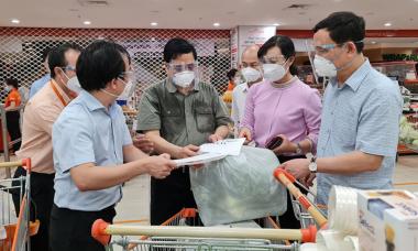 Điểm tin: Cả nước thêm 11.569 ca, Thủ tướng kiểm tra việc chống dịch TP HCM