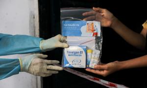 Hơn 5 tỷ đồng ủng hộ chương trình 'túi thuốc F0'