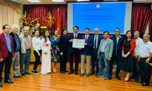 Kiều bào ở Slovakia quyên góp giúp Việt Nam chống Covid-19
