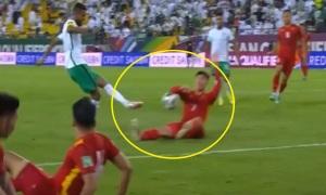 Trọng tài quá mạnh tay khi phạt penalty?