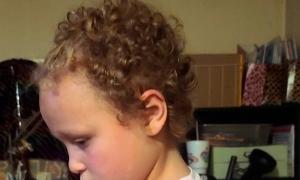 Cắt tóc học sinh, trường bị kiện 1 triệu USD