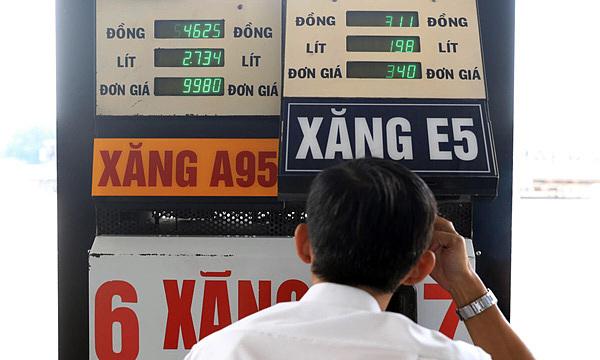 Ôtô ở Việt Nam nên đổ loại xăng nào?