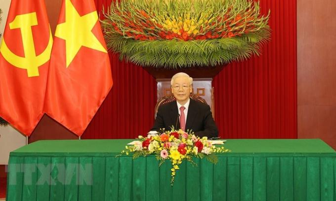 Tổng bí thư đề nghị Việt - Trung ưu tiên hợp tác chống Covid-19
