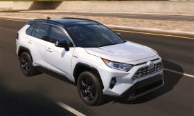 Toyota bán nhiều xe hơn General Motors