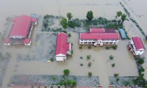 Vùng trũng Thừa Thiên Huế mênh mông nước lũ