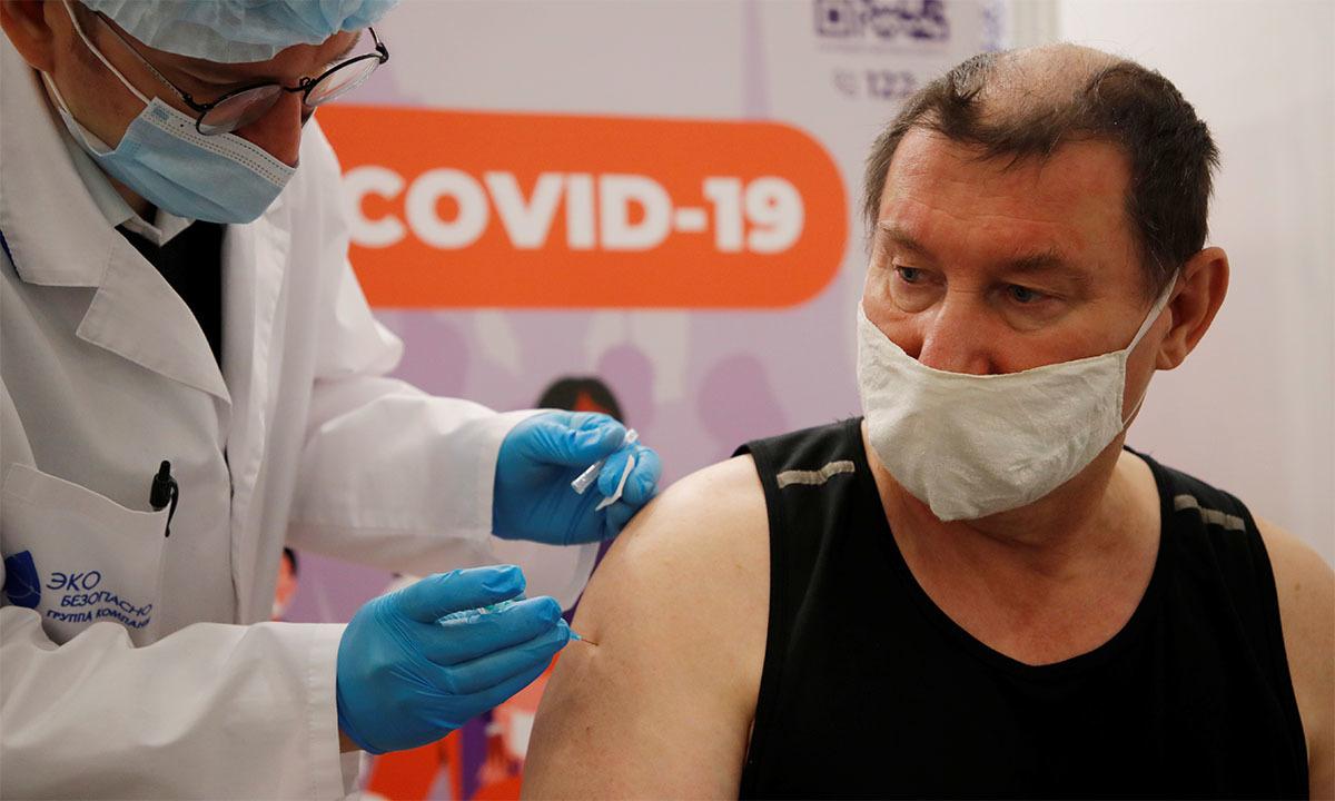 Thành phố lớn thứ hai Nga siết hạn chế ngăn Covid-19