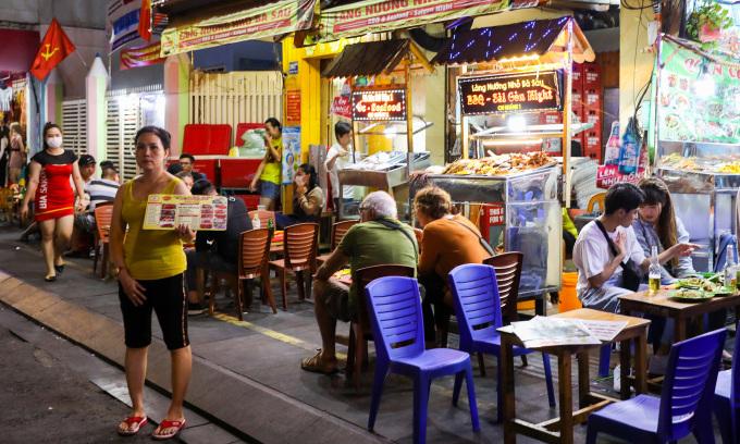 TP HCM dự kiến cho quán ăn ở 'vùng xanh' bán tại chỗ
