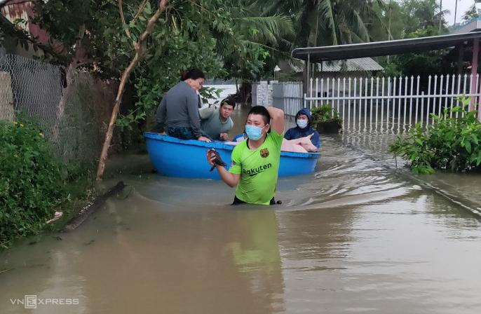 48 giờ mưa kỷ lục gây ngập ở Quảng Ngãi