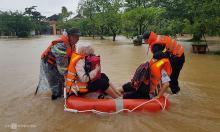 Cứu hộ 262 học sinh bị nước lũ bao vây