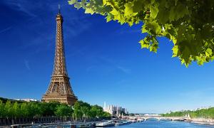 Đi thuyền trên sông Seine
